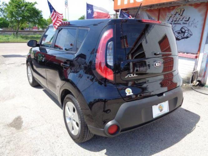 2016 BLACK Kia Soul Base 6A (KNDJN2A21G7) with an 1.6L L4 DOHC 16V engine, 6-Speed Automatic transmission, located at 7935 Gulf Freeway, Houston, 77017, (832) 266-1645, 29.684393, -95.275665 - Photo #1